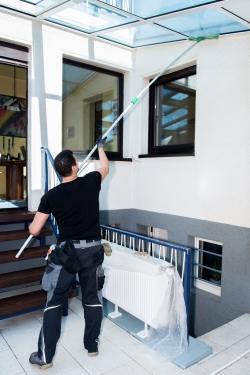 nettoyage des vitres en entreprise acad mie propret et services. Black Bedroom Furniture Sets. Home Design Ideas